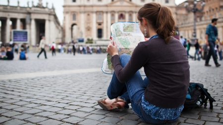 12 Ways to Master Online Dating While Traveling the World