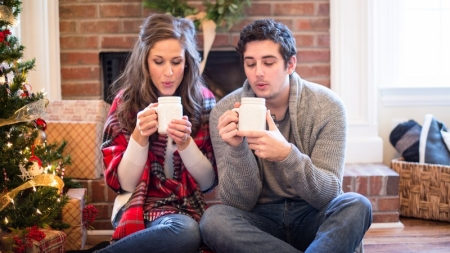 The Perfect Gift Giving Guide for Every Stage of Your Online Dating Relationship